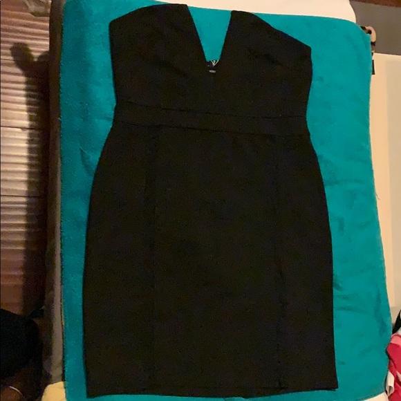 Windsor Dresses & Skirts - Hot short Dress with a plunging V-Neckline